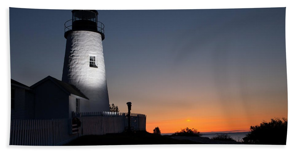 Maine Hand Towel featuring the photograph Dramatic Lighthouse Sunrise by Kyle Lee
