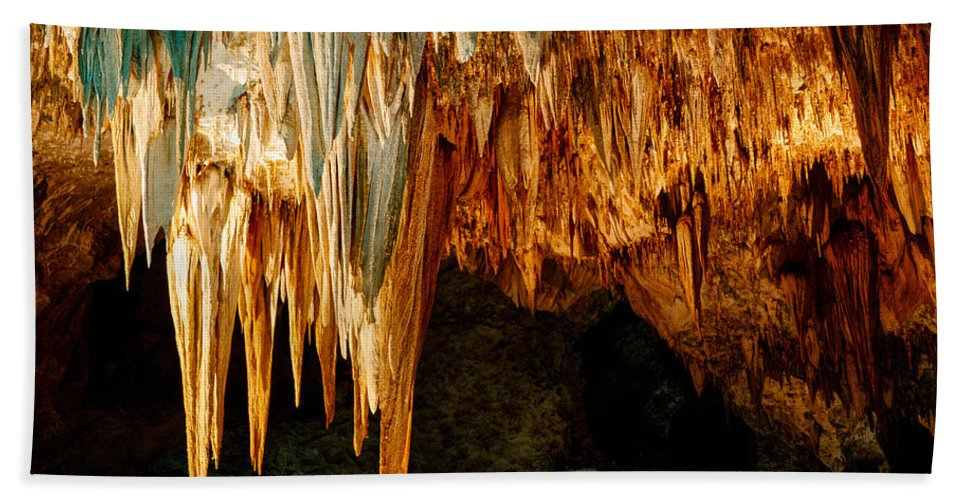 Carlsbad Caverns Hand Towel featuring the photograph Draperies And Stalactites by Tracy Knauer