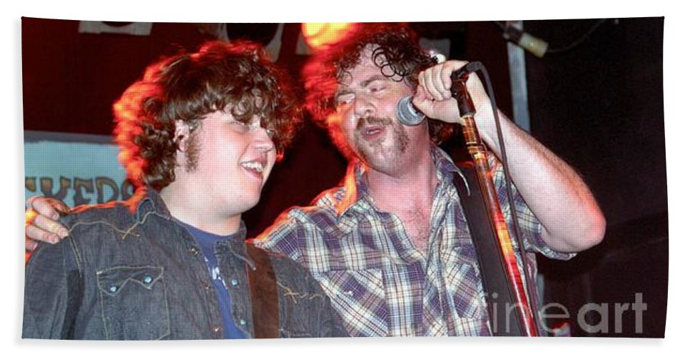 Gibson Bath Sheet featuring the photograph Drive By Truckers by Concert Photos