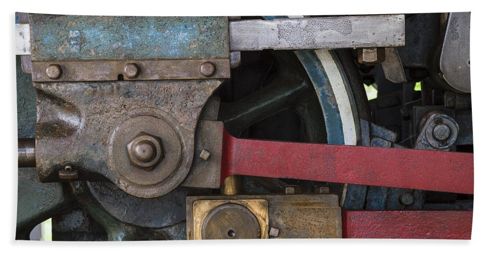 Railroad Hand Towel featuring the photograph Drivin' Wheel by David Stone