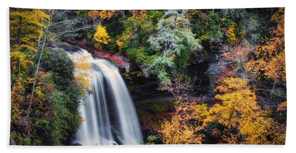 Water Hand Towel featuring the photograph Dry Falls In Autumn by Lynne Jenkins