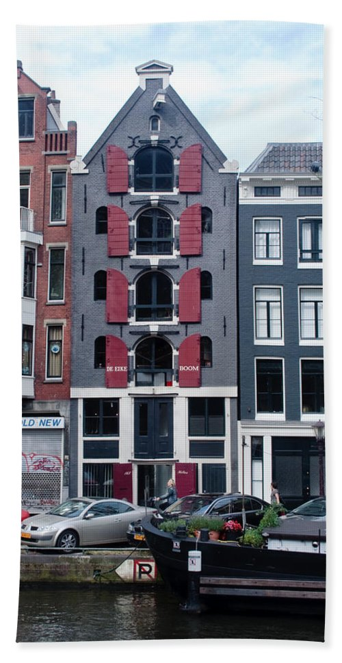 Amsterdam Hand Towel featuring the photograph Dutch Canal House by Thomas Marchessault