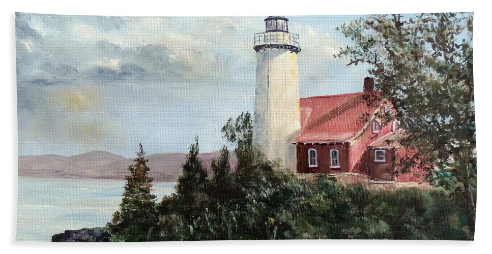 Lee Piper Hand Towel featuring the painting Eagle Harbor Light by Lee Piper
