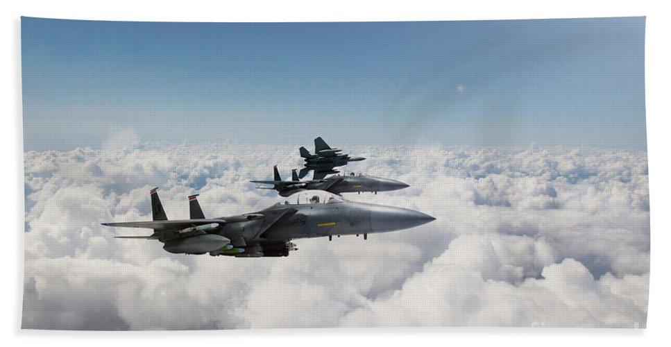 F15 Bath Sheet featuring the digital art Eagles Soar by J Biggadike