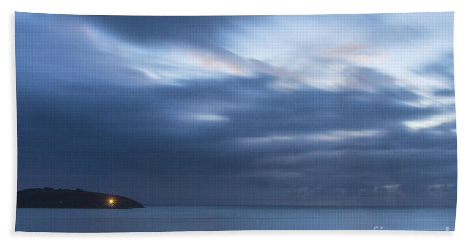 Landscape Bath Sheet featuring the photograph Early Morning by Brian Roscorla