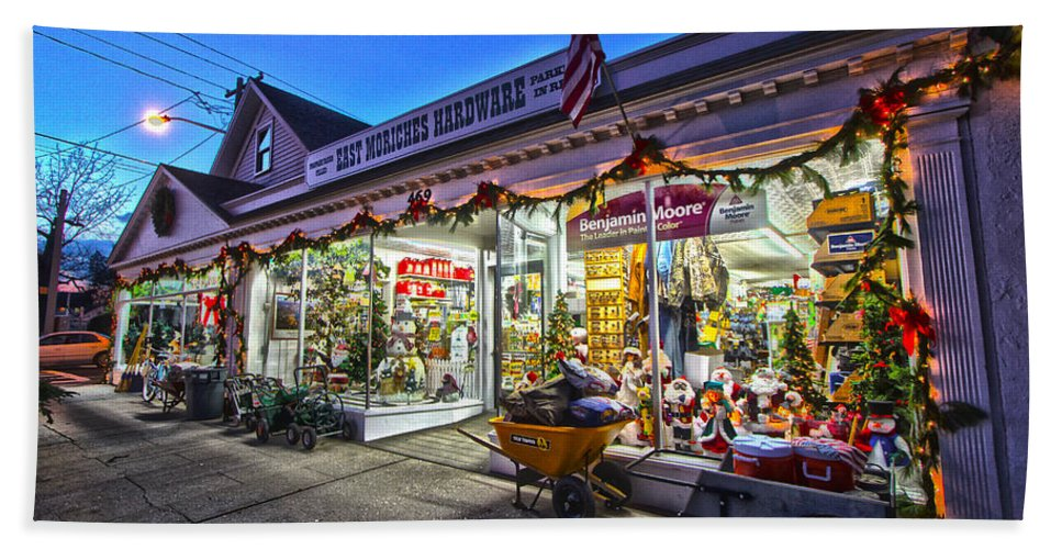 East Moriches Hardware Bath Towel featuring the photograph East Moriches Hardware by Robert Seifert