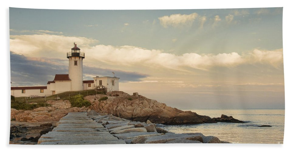 America Hand Towel featuring the photograph Eastern Point Lighthouse by Juli Scalzi
