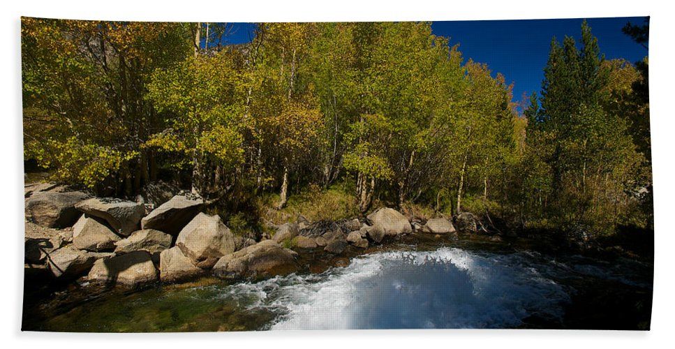 Eastern Sierras Hand Towel featuring the photograph Eastern Sierras 15 by Richard J Cassato