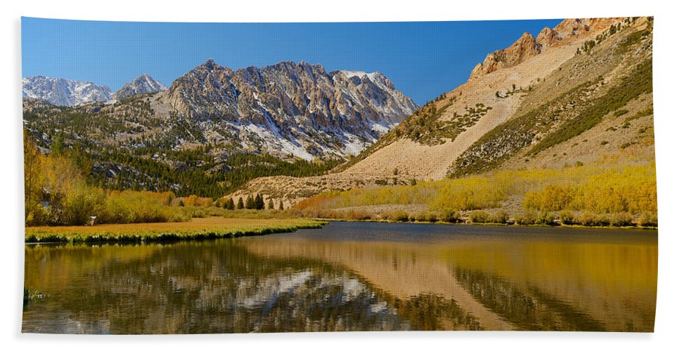 Eastern Sierras Hand Towel featuring the photograph Eastern Sierras 17 by Richard J Cassato