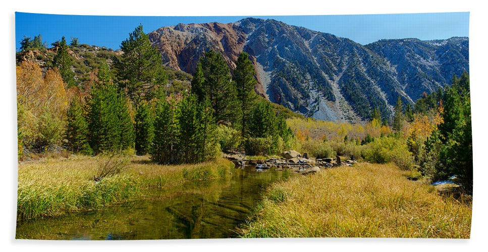 Eastern Sierras Hand Towel featuring the photograph Eastern Sierras 19 by Richard J Cassato