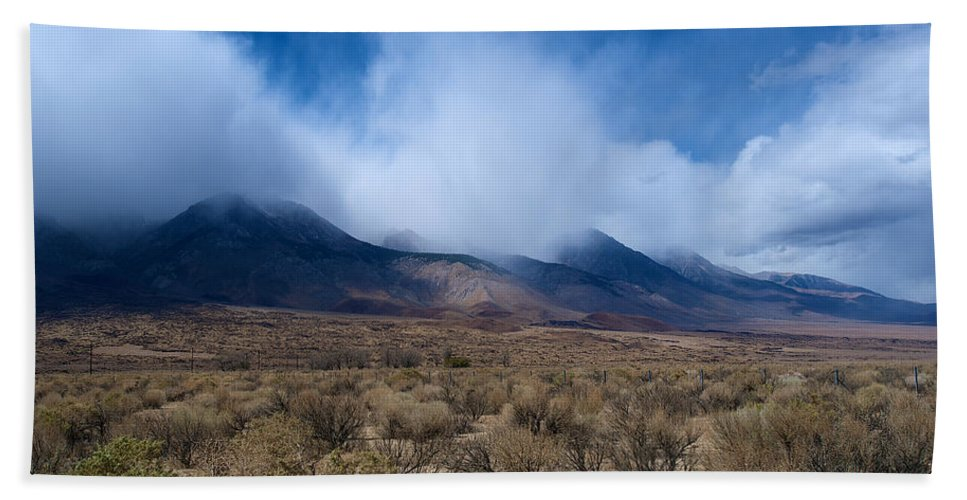 Eastern Sierras Hand Towel featuring the photograph Eastern Sierras 6 by Richard J Cassato