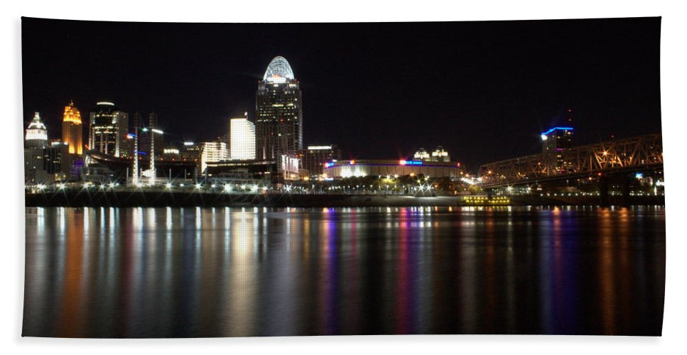 River Hand Towel featuring the photograph Eastern Skyline by Artistic Explorer Creations By Gregg L Walker