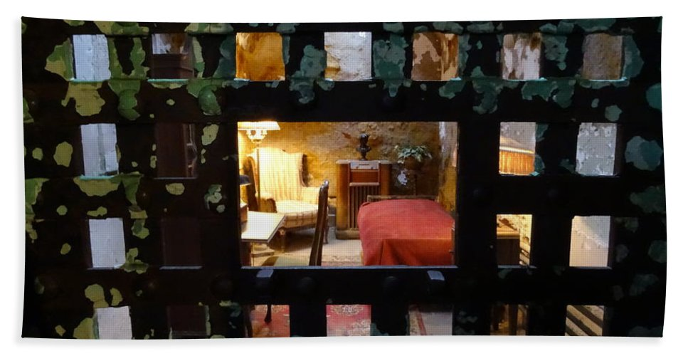 Eastern State Penitentiary Hand Towel featuring the photograph Choosing Sides by Heather Jane
