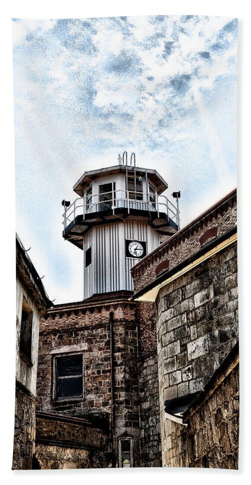 Eastern State Penitentiary Guard Tower Hand Towel featuring the photograph Eastern State Penitentiary Guard Tower by Bill Cannon