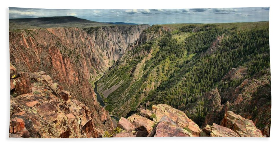 Black Canyon Hand Towel featuring the photograph Edge Of The Black Canyon by Adam Jewell