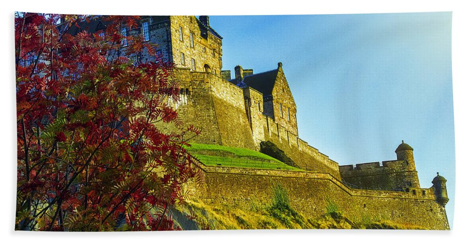 Scotland Hand Towel featuring the photograph Edinburgh Castle by Hal Halli