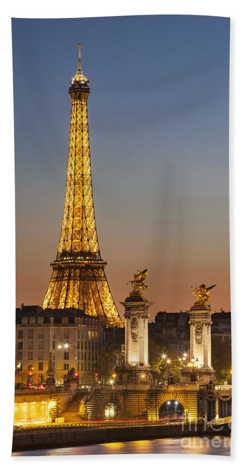 Architectural Bath Sheet featuring the photograph Eiffel At Twilight by Brian Jannsen