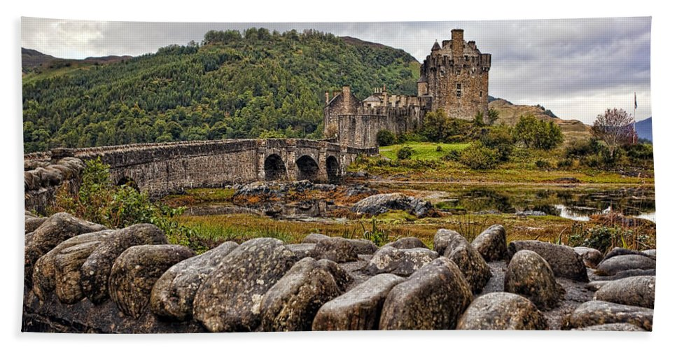 Architecture Hand Towel featuring the photograph Eilean Donan Castle 1 by Marcia Colelli