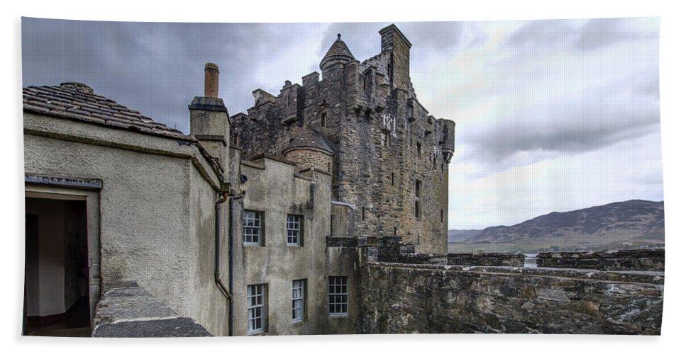 Eilean Donan Castle Bath Sheet featuring the photograph Eilean Donan Castle - 5 by Paul Cannon