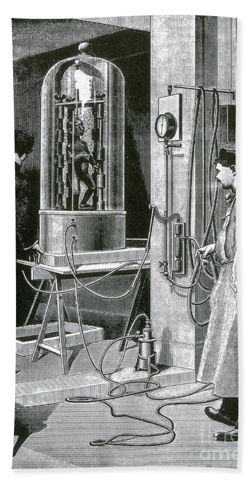 Science Bath Sheet featuring the photograph Electroplating The Dead, 1891 by Science Source
