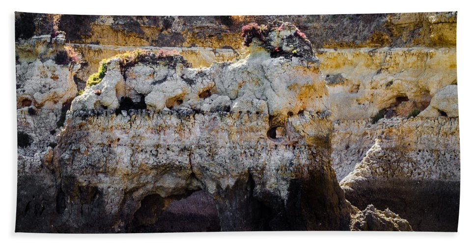 Landscape Hand Towel featuring the photograph Elephant Rock by Nick Field