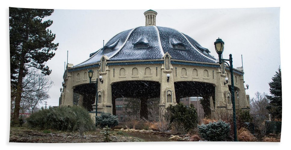 Winter Bath Sheet featuring the photograph Elitch Carousel Pavilion by Debra Powell