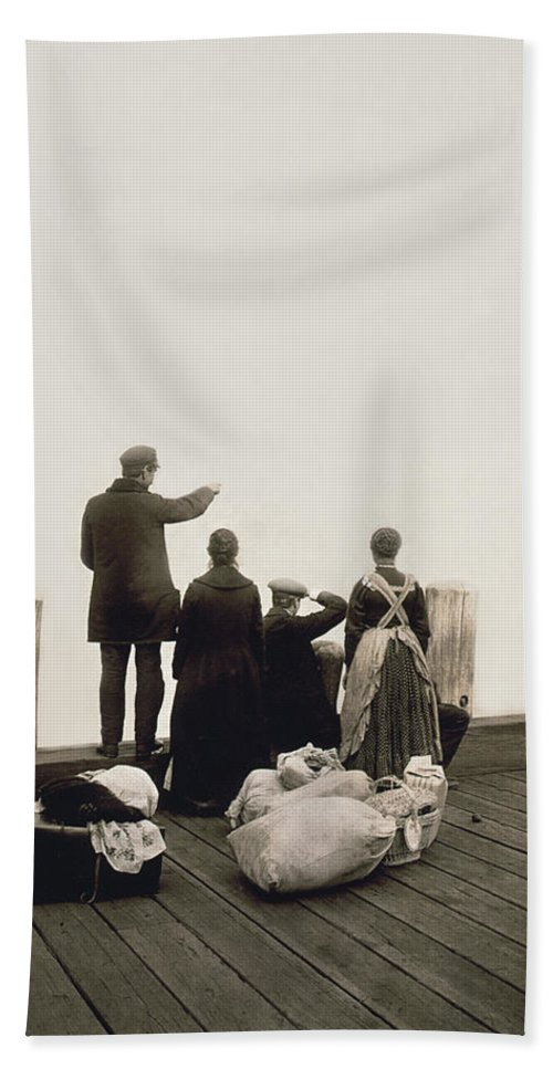 1912 Hand Towel featuring the photograph Ellis Island Immigrants by Library of Congress
