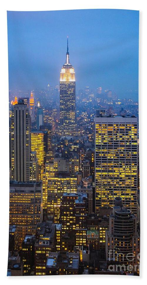 Midtown Manhattan Bath Sheet featuring the photograph Empire State Building And Midtown Manhattan by Liz Leyden