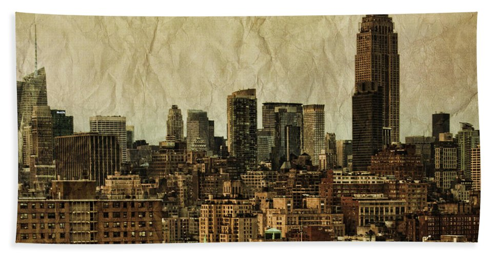New Bath Towel featuring the photograph Empire Stories by Andrew Paranavitana