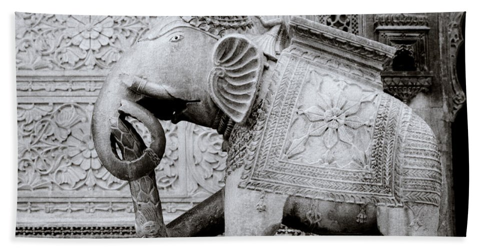 India Bath Sheet featuring the photograph The Indian Elephant by Shaun Higson