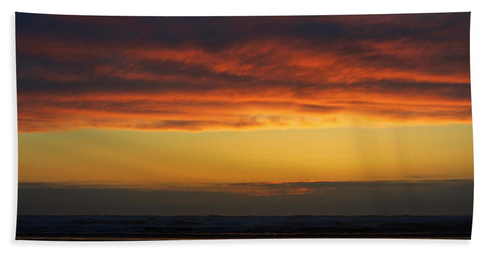 Ocean Bath Sheet featuring the photograph End Of A Perfect Day by Jeanette C Landstrom