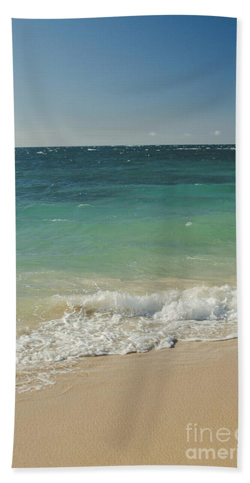 Aloha Bath Sheet featuring the photograph Endless Summer by Sharon Mau
