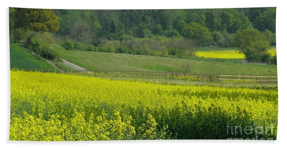 England Hand Towel featuring the photograph English Countryside by Ann Horn
