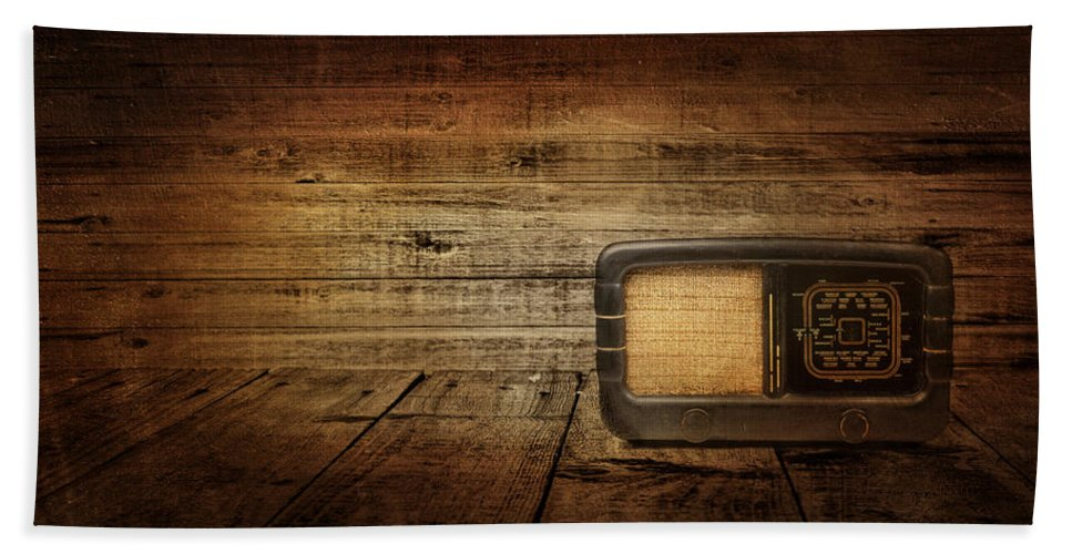 Radio Bath Sheet featuring the photograph Entertainment by Heike Hultsch