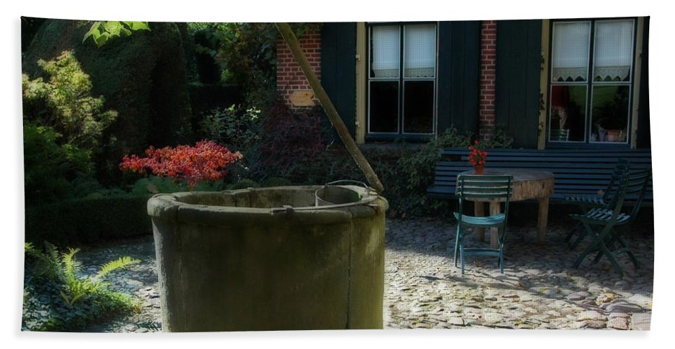 Erve Brooks Well Hand Towel featuring the photograph Erve Brooks Well In Holland by Ginger Wakem