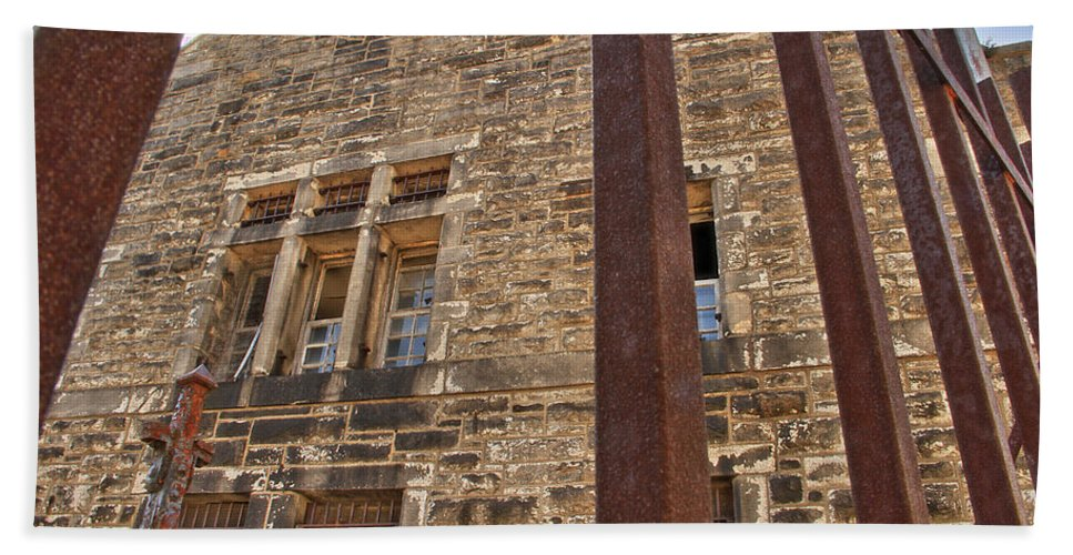 Eastern State Penitentiary Philadelphia Outdoor Building Architectural Esp Bath Sheet featuring the photograph Esp View Four by Alice Gipson