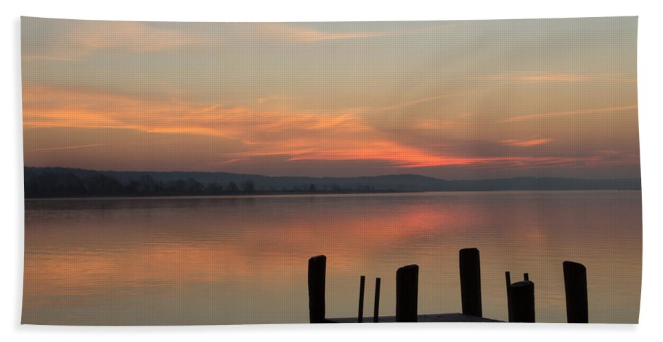 Essex Hand Towel featuring the photograph Essex Dock At Sunrise by Jonathan Steele