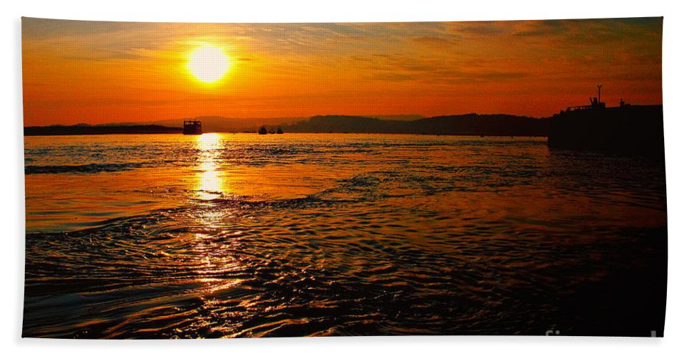 Sunset Hand Towel featuring the photograph Estuary Sunset by Rob Hawkins