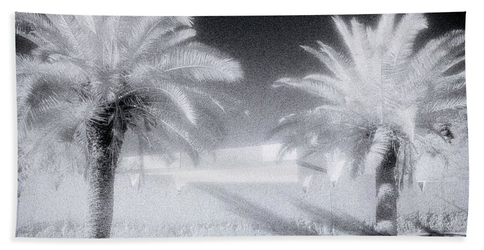 Paradise Hand Towel featuring the photograph Ethereal Dream by Shaun Higson