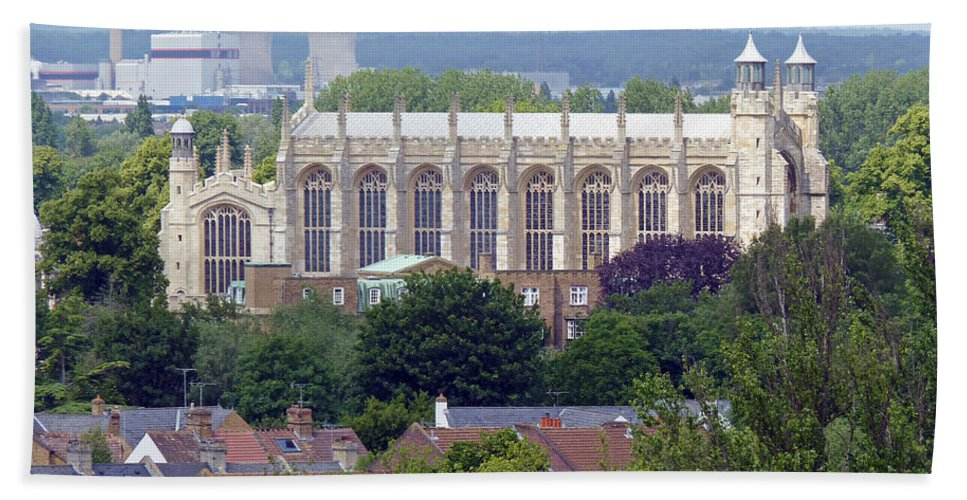 Windsor Bath Sheet featuring the photograph Eton College Chapel by Tony Murtagh