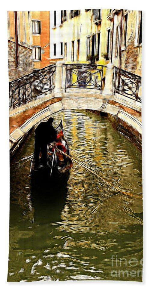 Evanscent Hand Towel featuring the photograph Evanscent - Venice by Sheila Laurens