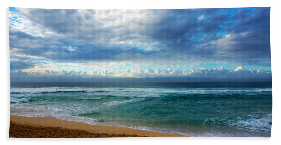 Hawaii Hand Towel featuring the photograph Evening North Shore Oahu Hawaii by Kevin Smith