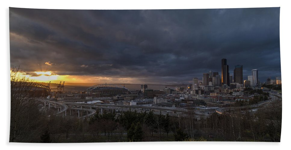 Seattle Bath Sheet featuring the photograph Evening Skies Light by Mike Reid