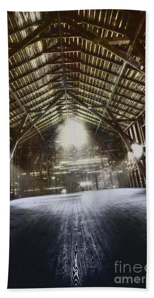 Barn Hand Towel featuring the photograph Expanse by Margie Hurwich