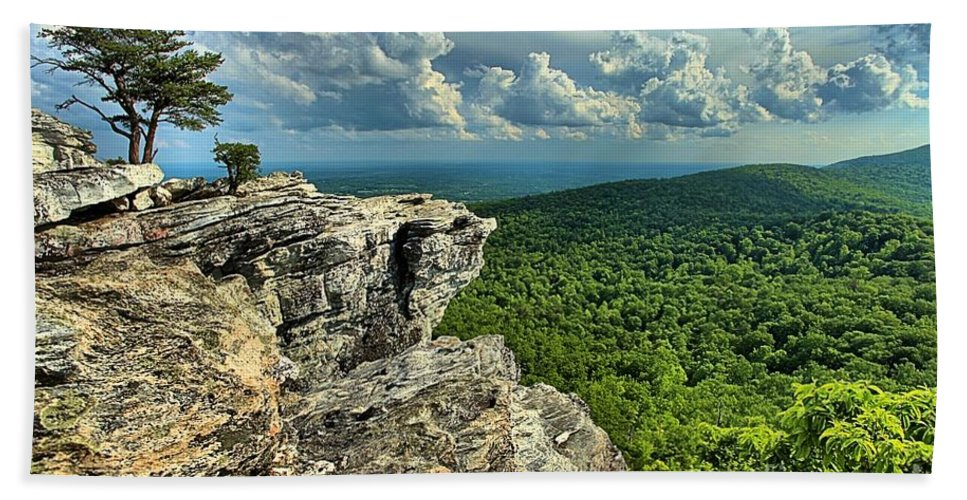 Hanging Rock State Park Hand Towel featuring the photograph Face In The Cliff by Adam Jewell