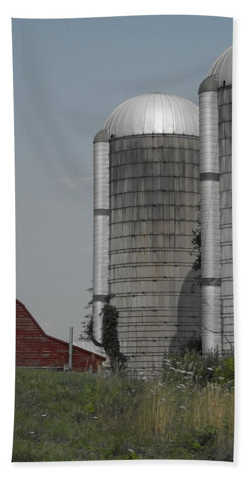 Landscapes Hand Towel featuring the photograph Faded Farm by Photographic Arts And Design Studio