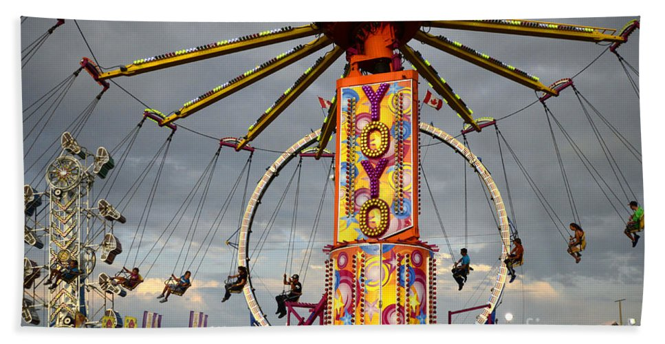 Hand Towel featuring the photograph Fairground Fun 4 by Bob Christopher