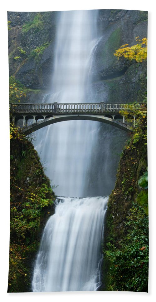 Amazing Hand Towel featuring the photograph Fall At Multnomah Falls by Don Schwartz