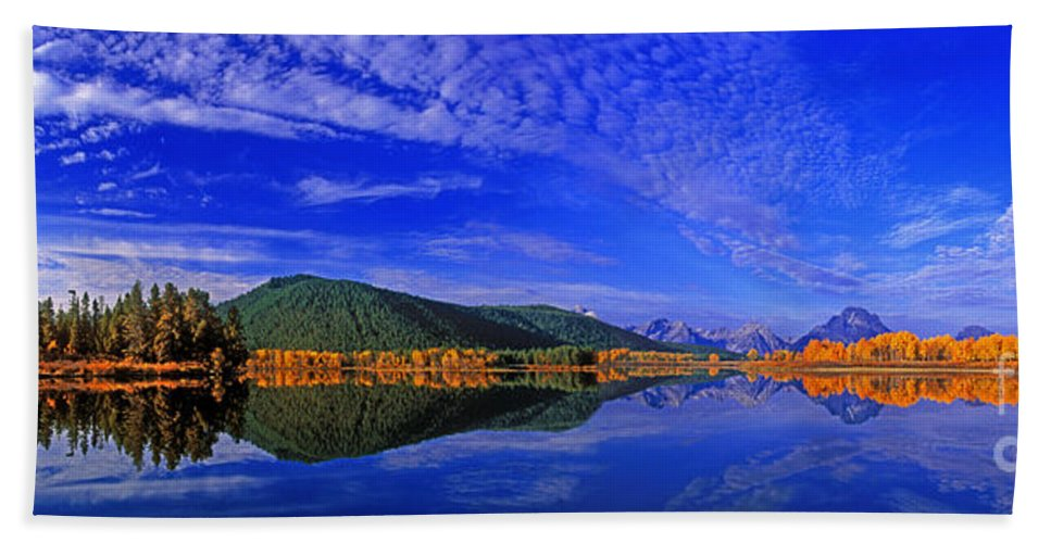 North America Bath Sheet featuring the photograph Fall Color Oxbow Bend Grand Tetons National Park Wyoming by Dave Welling