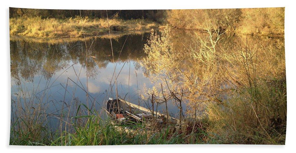 Fall Fishing Bath Sheet featuring the photograph Fall Finish by Sara Stevenson